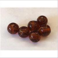 6 Glasperlen rot-braun mit Muster