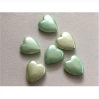 6 Acrylperlen Herzen grün 12x10,8mm