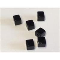 6 Glasperlen-Würfel 4mm