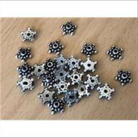 24 Acryl-Perlkappen Zwischenstücke antiksilber