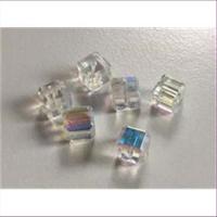 6 Glasperlen Würfel 4mm