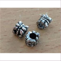 3 Metall-Perlen