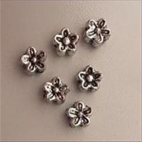 12 Acrylperlen Blüten