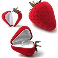 1 Geschenkbox Ringbox Erdbeere