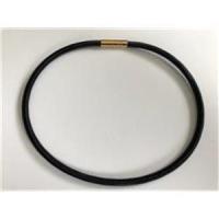 1 Halsreifen schwarz-gold mit Magnetverschluss