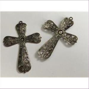 2 Anhänger filigranes Kreuz altsilber