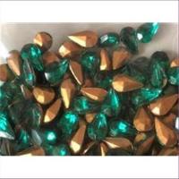10 Bastelsteine Tropfen 10x6mm emerald grün