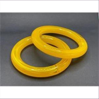 1 Armreifen Kunststoff gelb-orange Vintage