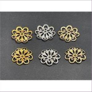 10 Perlkappen leicht gewölbte Blumen silberfarbig